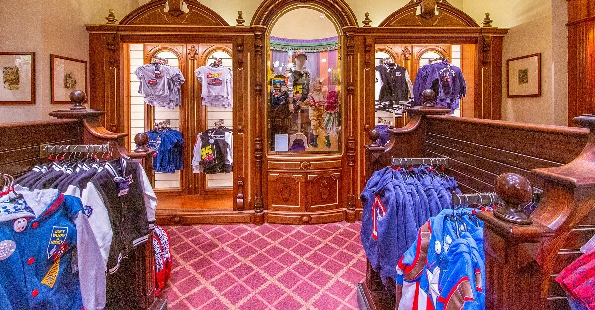 Blick in einen Disney Shop in Disneyland Paris